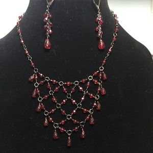 Beautiful necklace and earring set in deep red.